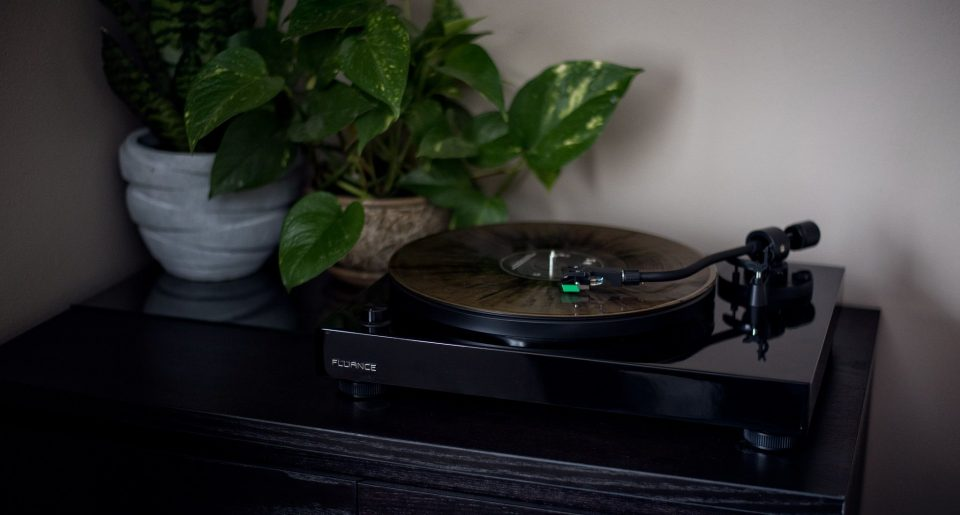 Best Record Player Under $200 - Audiostance